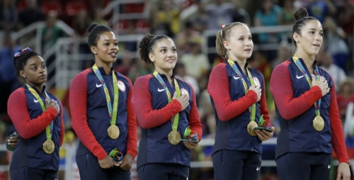 gabby-douglas-national-anthem